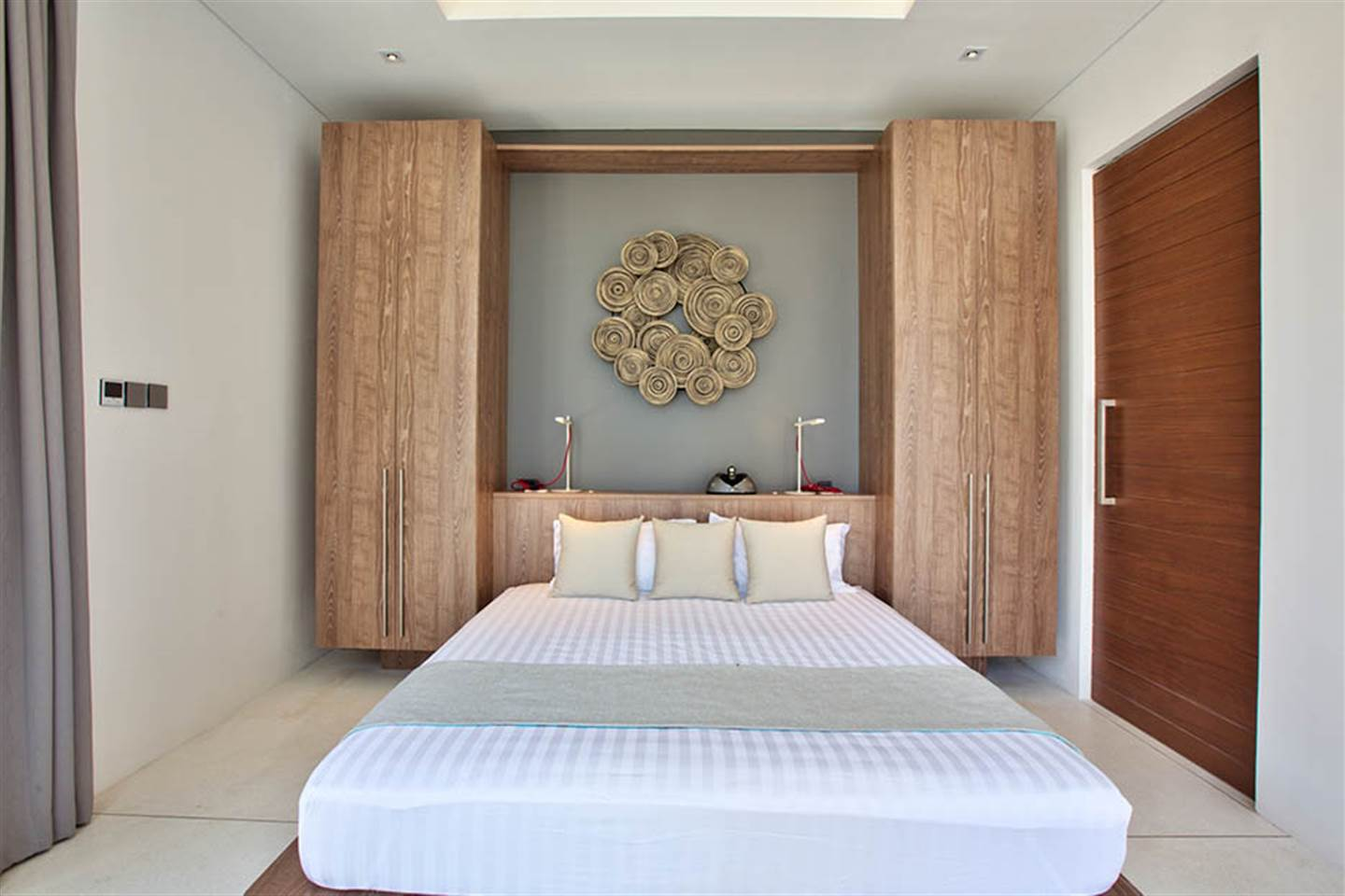 Beachfront Villa Neung
