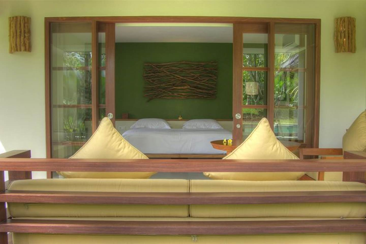 BARONG Deluxe Room with King Size Bed