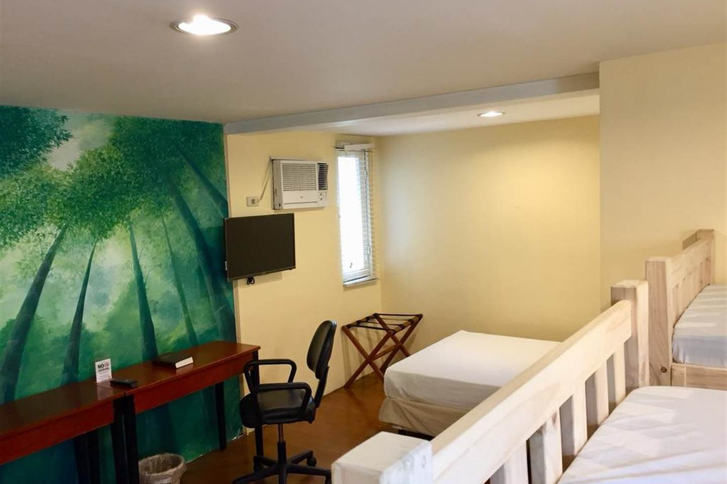 EH Pleasant Family Room - MAKATI 1