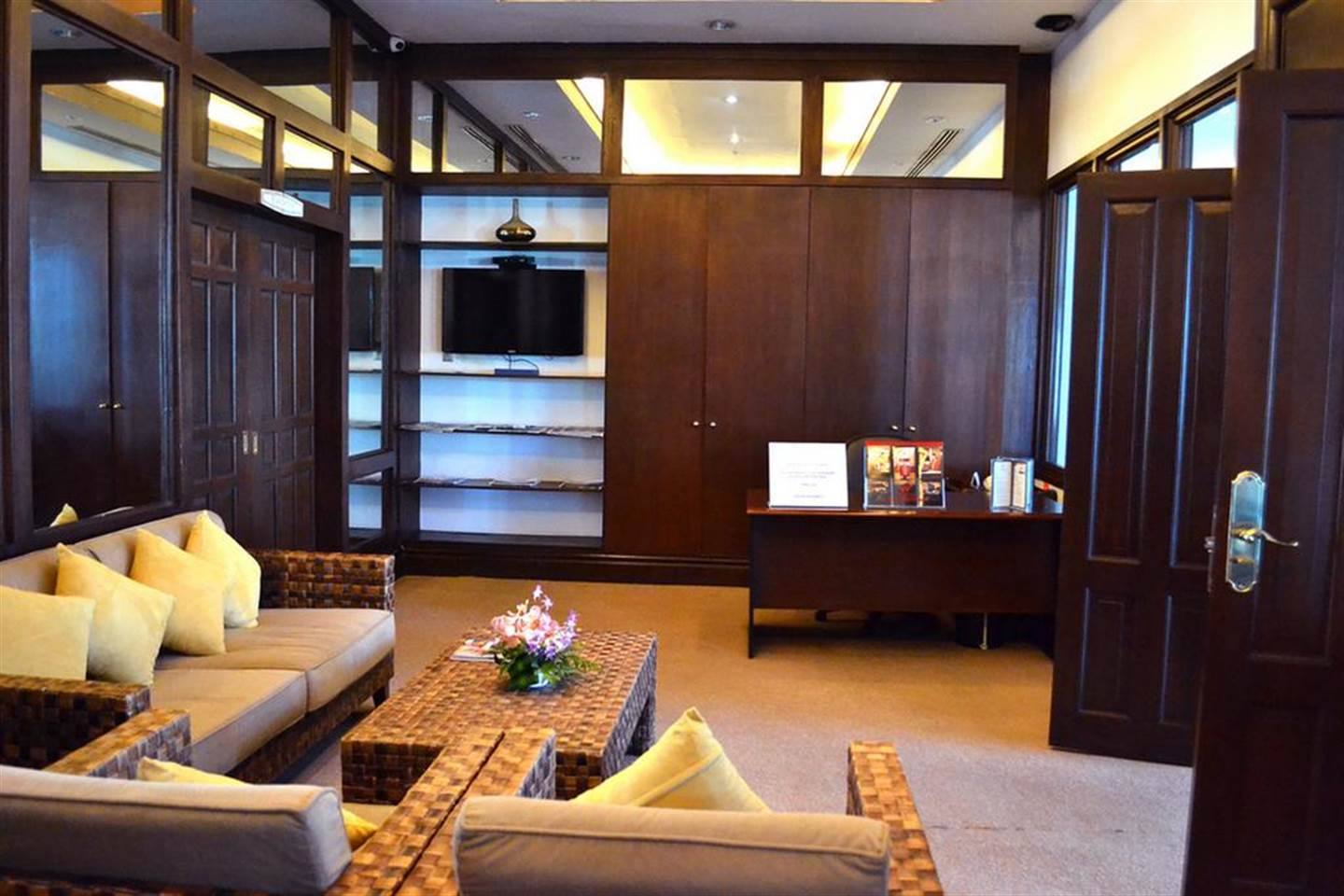 WF Superior Room near Mactan Airport