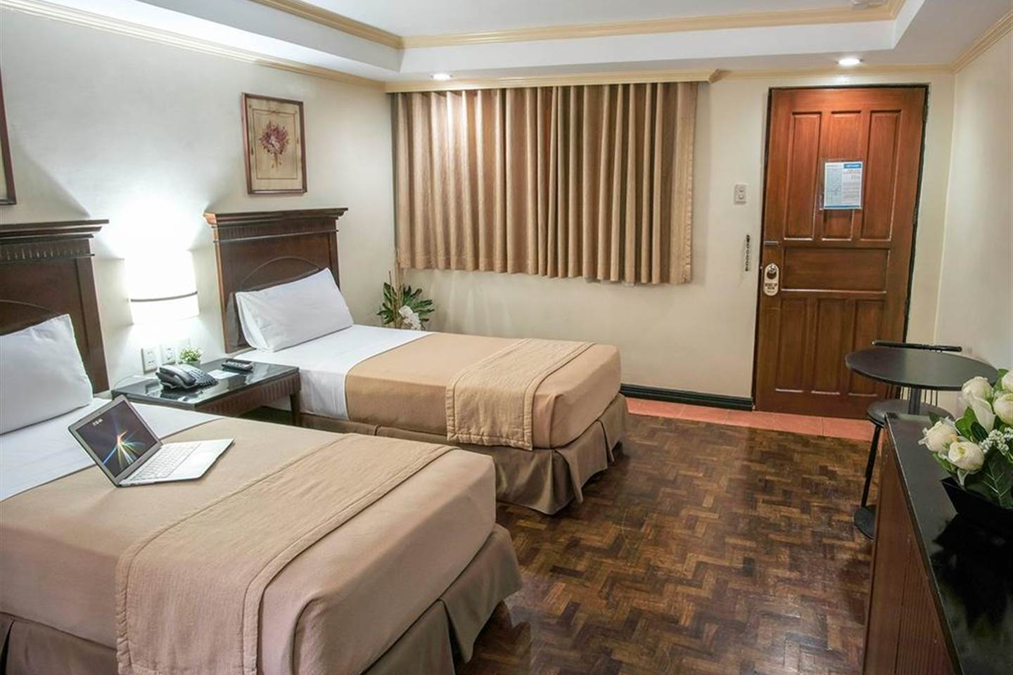 Deluxe Twin Room in P. Tuazon