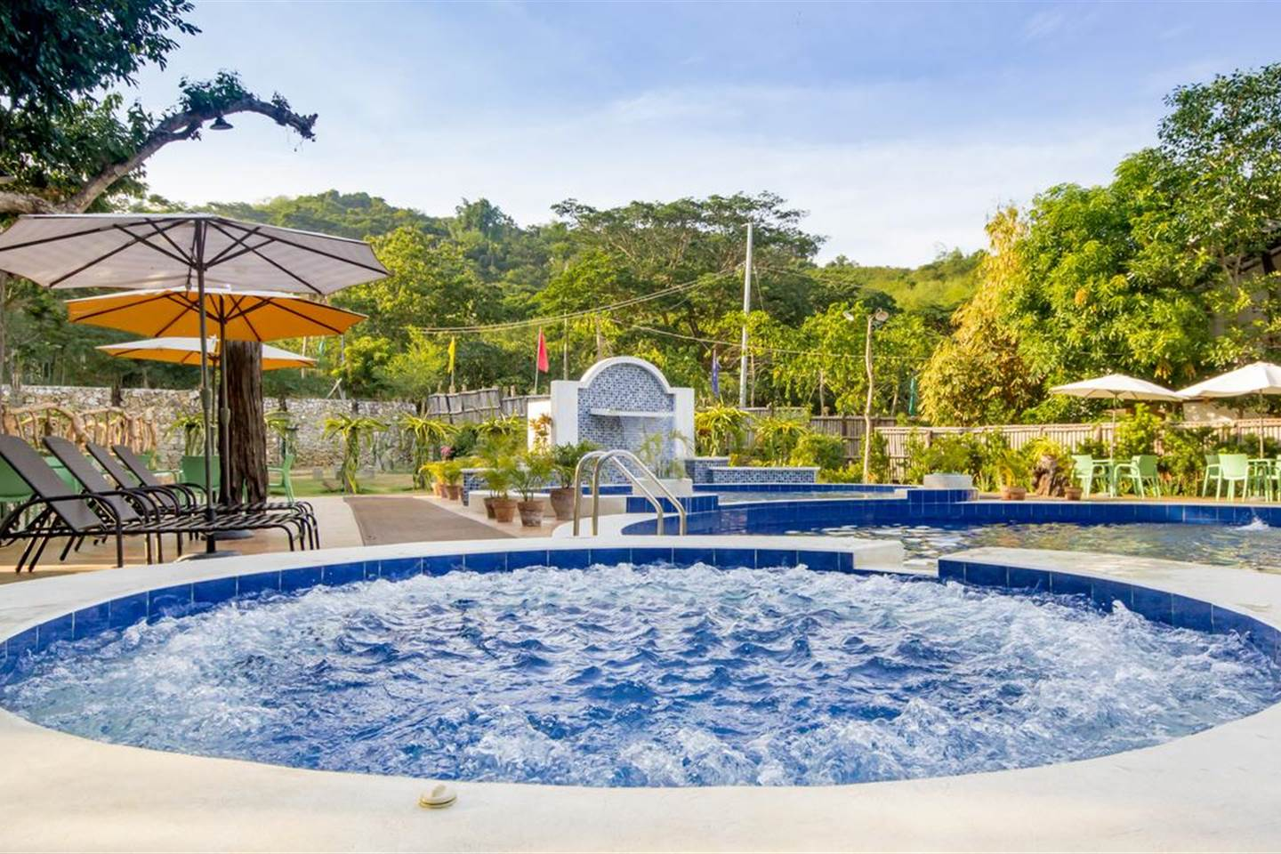 Pleasing Deluxe Room - Pool View at Pangasinan