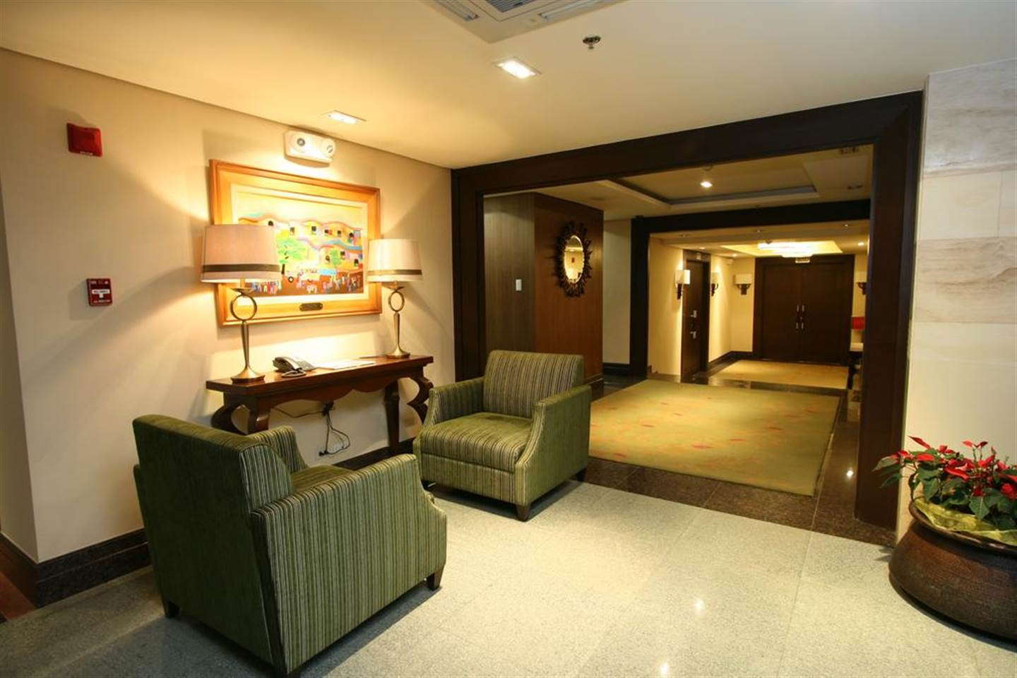 Adorable Superior Room - Hotel in Makati